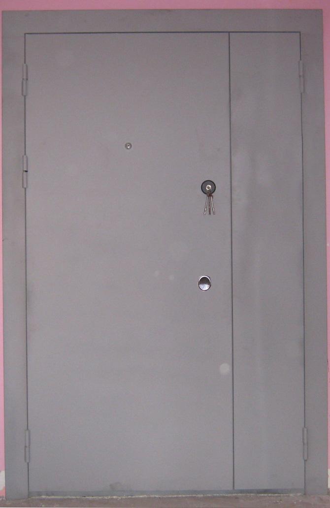 металлические двери на площадку стоимость